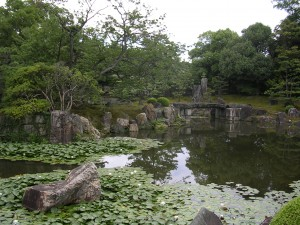 Yes Virginia, it's another gorgeous garden in Kyoto, photo by jbg